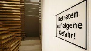 Installation view_Betreten-auf-eigene-Gefahr-Vol2_Pascal-Brateau_aquabitArt_2020